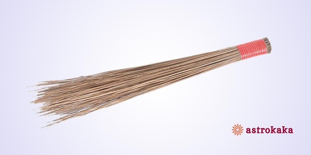 9 Jhaadu (Broom) Vastu Upay that are effective for Wealth
